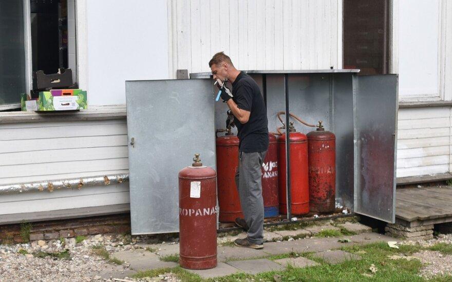 В Друскининкай мужчина с сигаретой менял газовые баллоны
