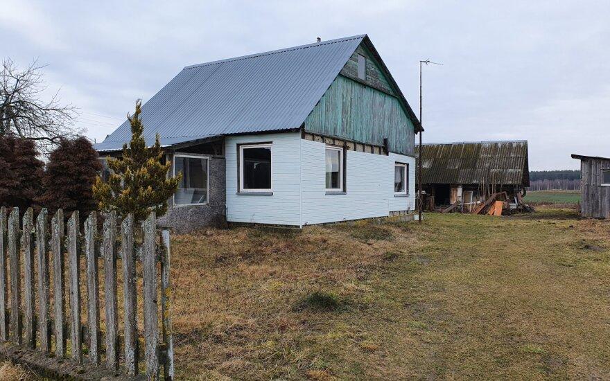 В доме в Тракайском районе обнаружили тела трех человек
