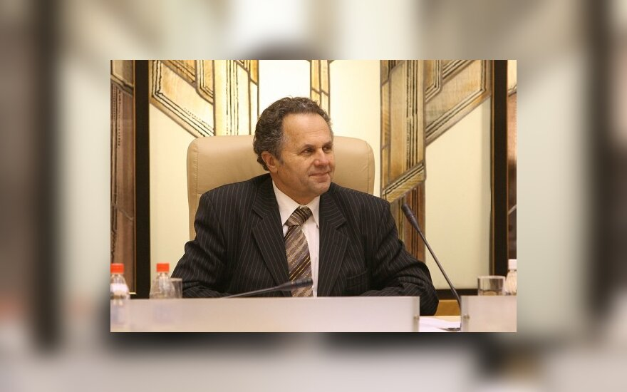 Каунасский вице-мэр сломал на работе ногу