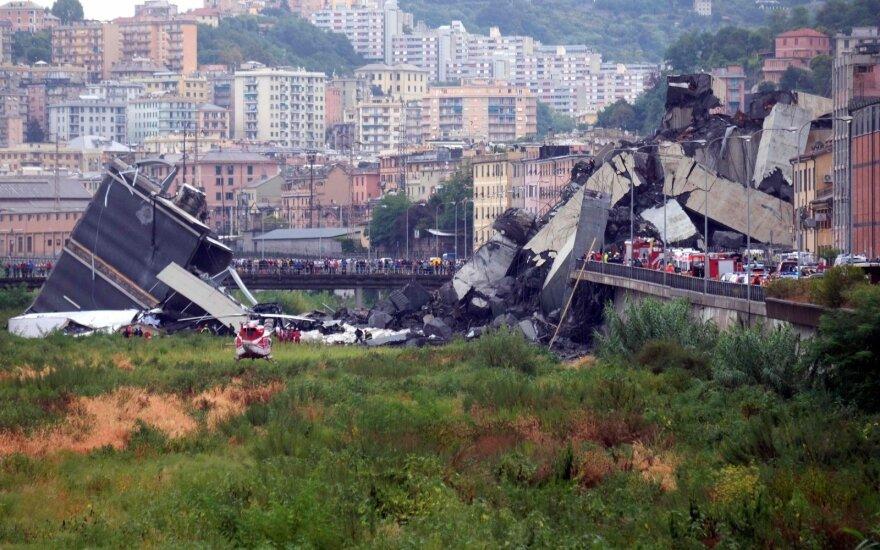 Обрушение моста в Генуе: спасатели ищут выживших