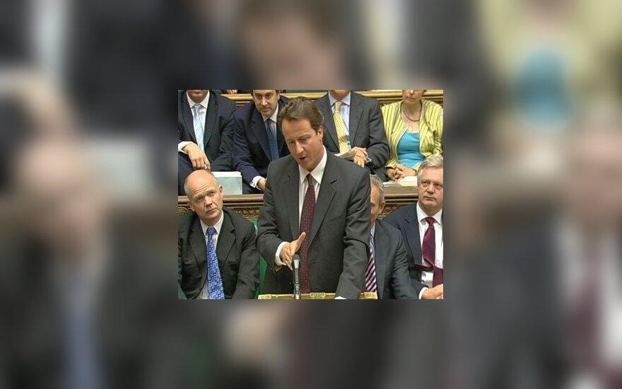 Opozicinės konservatorių partijos lyderio Davido Camerono kalba.
