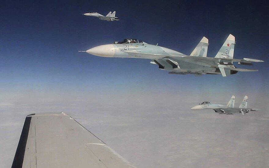 Минобороны РФ опровергло данные о сближении Су-27 с самолетом США