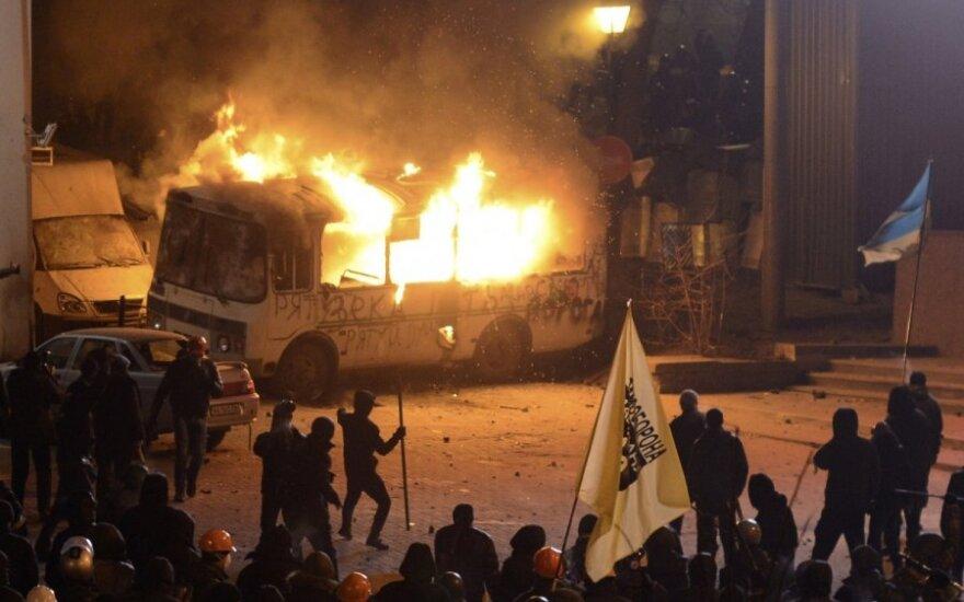 Kijeve kilo protestuotojų susidūrimai su milicija