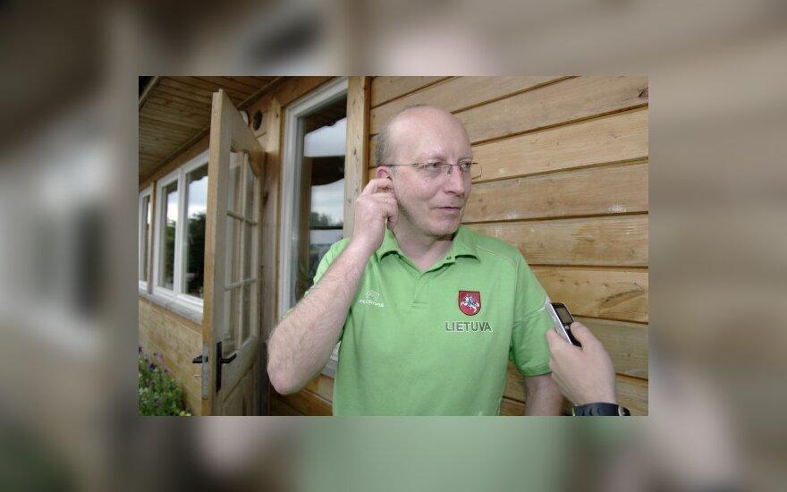 А.Валинскас идет в отпуск на две недели
