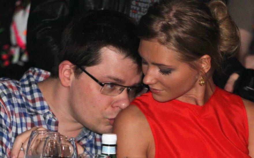 Экс-жена Харламова назвала Кристину Асмус самкой
