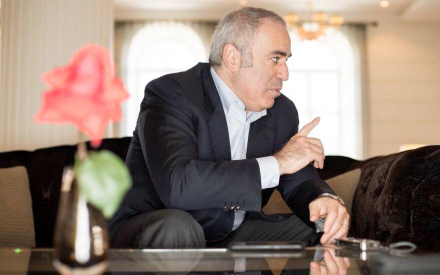 Каспаров призывает лишить Путина славы и бойкотировать ЧМ-2018 по футболу
