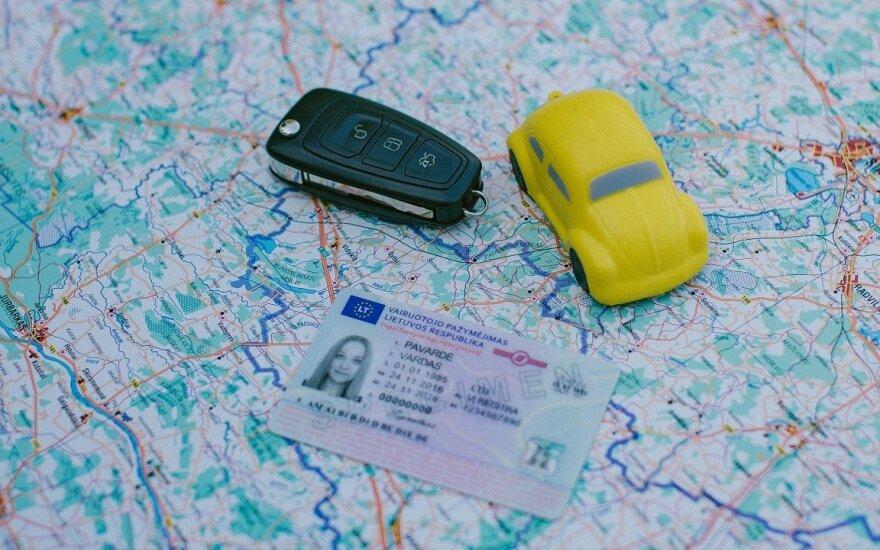 """""""Regitra"""" išduoda tarptautinius vairuotojo pažymėjimus"""