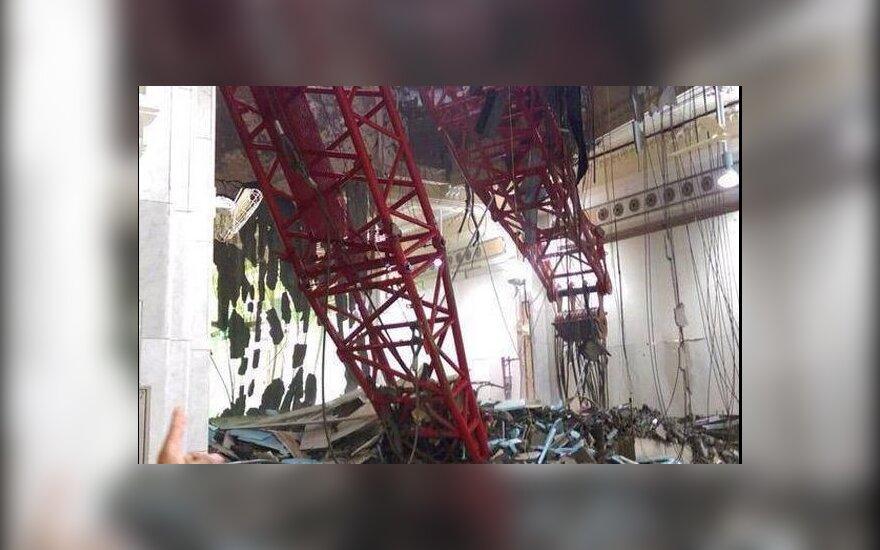При падении подъемного крана на главную мечеть Мекки погибли более 100 человек