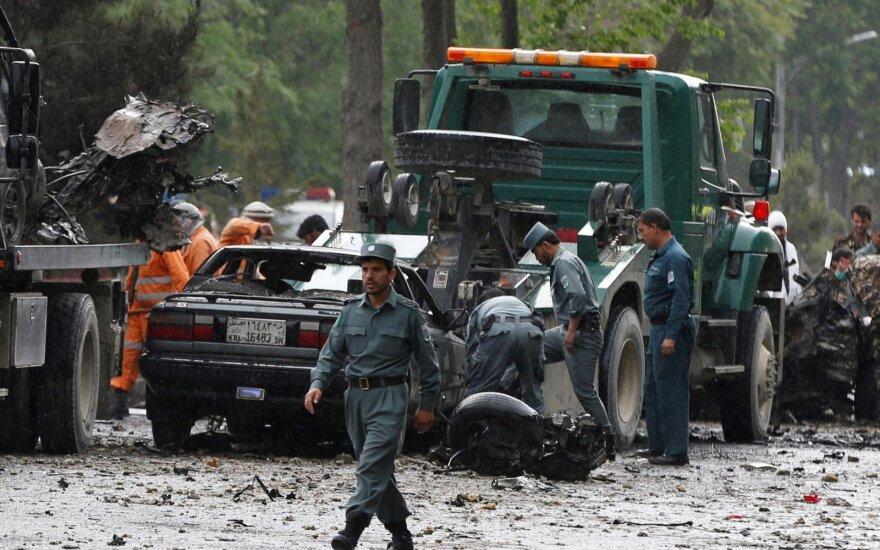 Смертник атаковал военную колонну НАТО в Кабуле
