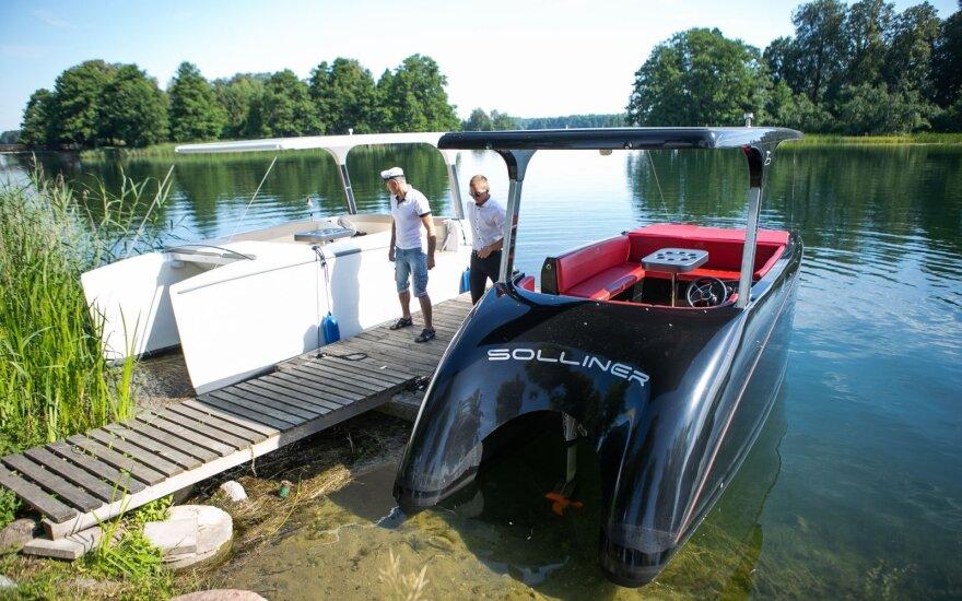 Занимающийся прокатом лодок в Тракай предприниматель: литовцы за катание могут сегодня заплатить 100 евро