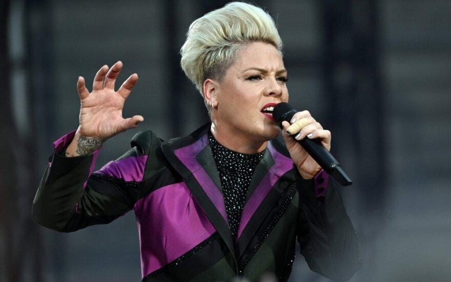Dainininkė Pink
