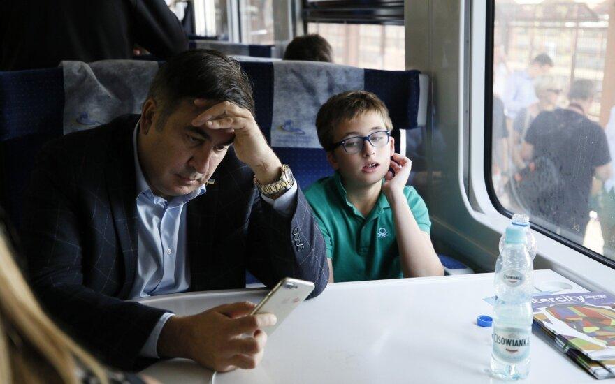 Поезд с Саакашвили не доехал до Украины