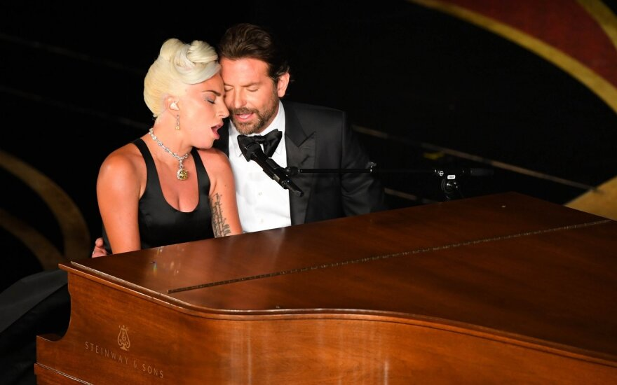 Bradley Cooperis ir Lady Gaga