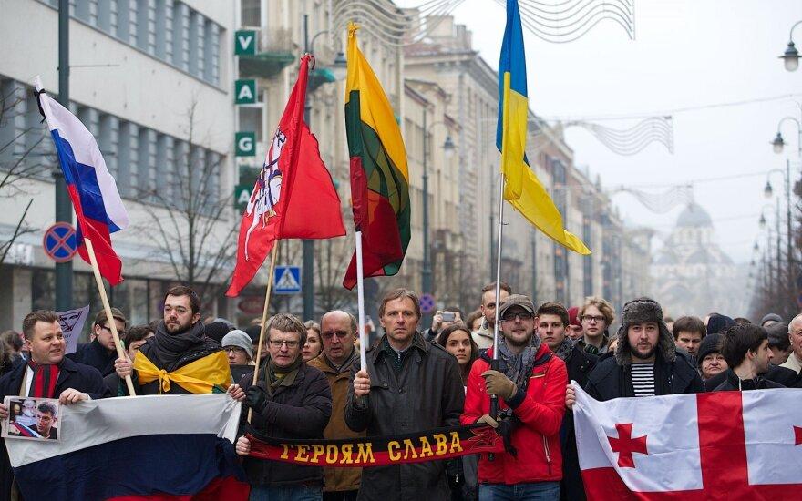 Как живут переехавшие в Литву россияне и украинцы