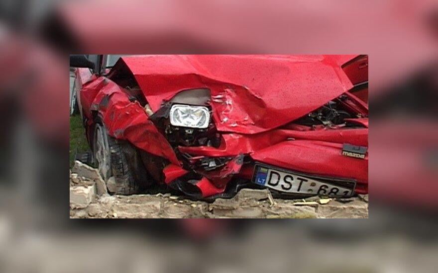 После удара в грузовик Mazda столкнулась с Audi