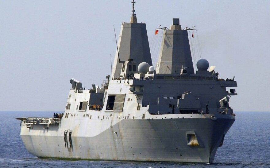 США оснастят военные корабли лазерными пушками