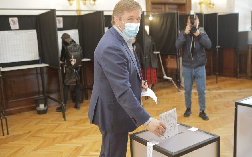 Seimo rinkimuose iš anksto balsuoja Ramūnas Karbauskis