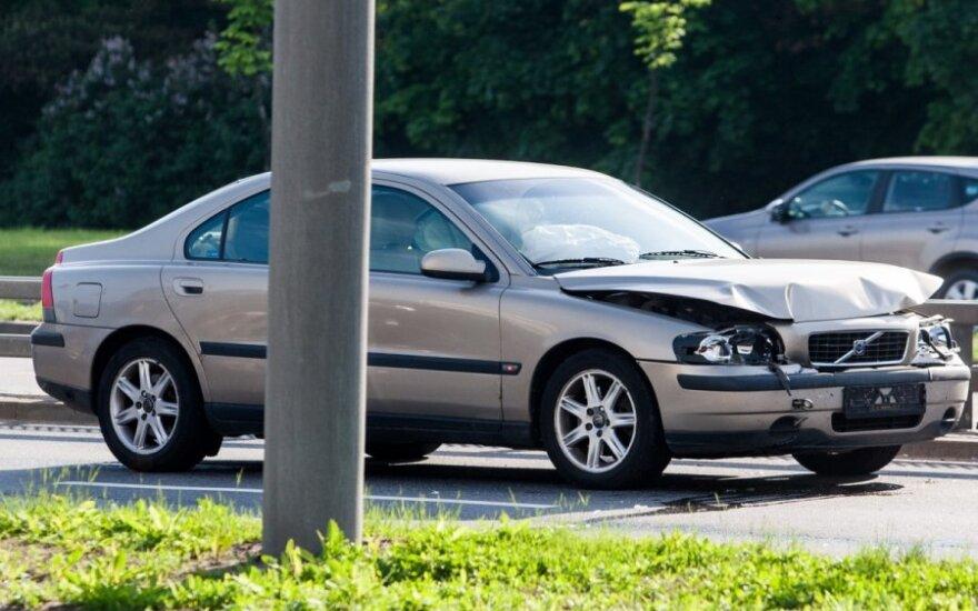 В понедельник утром в Вильнюсе столкнулись 5 автомобилей