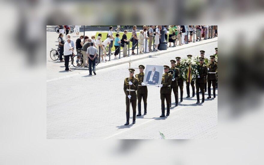 На похороны Бразаускаса – больше 100 000 литов