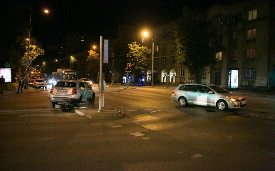 Видеокамеры зафиксировали ДТП в Вильнюсе с участием машины CityBee