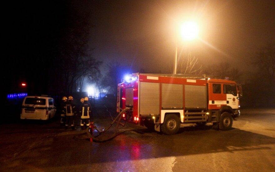 Ночью в Вильнюсе из дома эвакуированы жители, погибла женщина