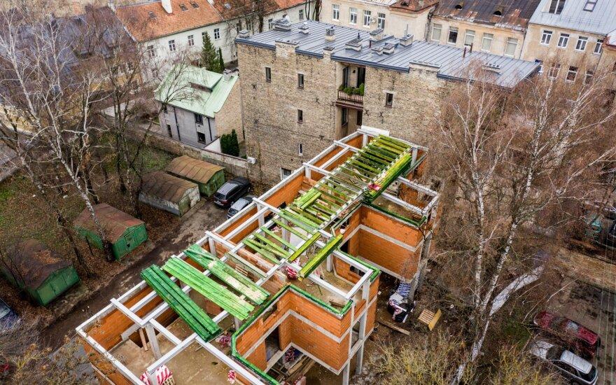 Жители Вильнюса возмущены: во дворе дома строят многоквартирный дом