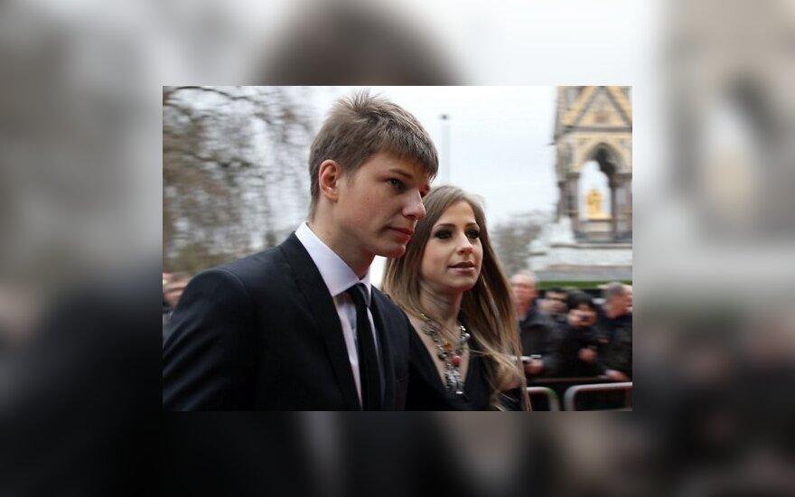 Андрей Аршавин изменял жене с 21-летней стюардессой