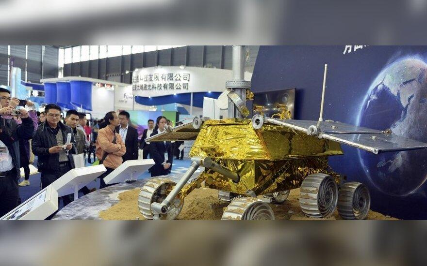 """Китай запустил в космос свой первый луноход """"Чанъэ-3"""""""