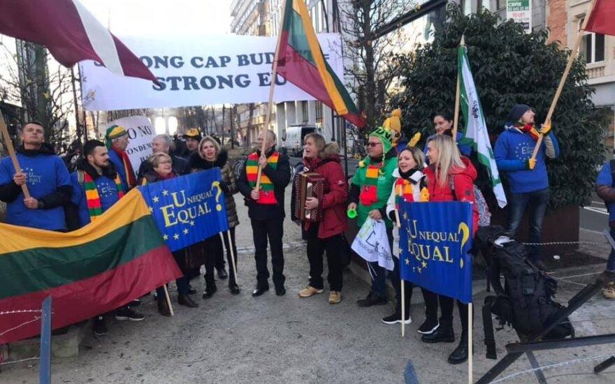 Фермеры протестуют в Брюсселе и просят помощи Науседы в вопросе выплат