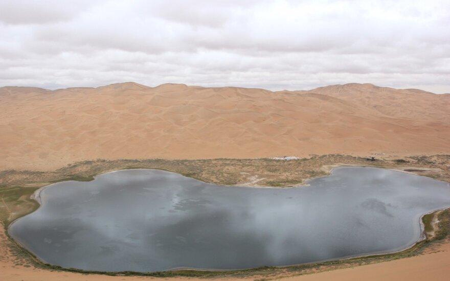 Badain Džarano dykumos ežerai