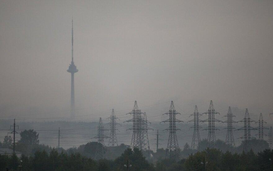 Без электроэнергии в Литве остаются 90 тысяч домашних хозяйст