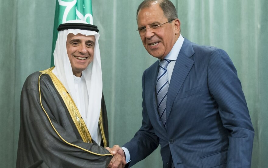 Появилось видео с матами Лаврова на встрече с главой МИД Саудовской Аравии
