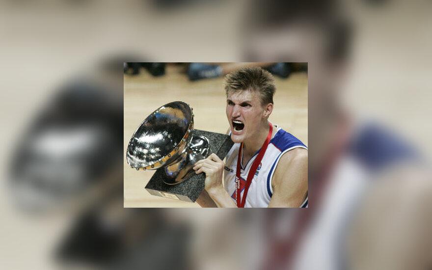Andrejus Kirilenko su Europos čempionų taure