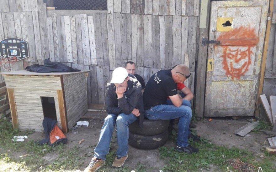 На окраине Вильнюса полиция за хранение наркотиков задержала 4 мужчин