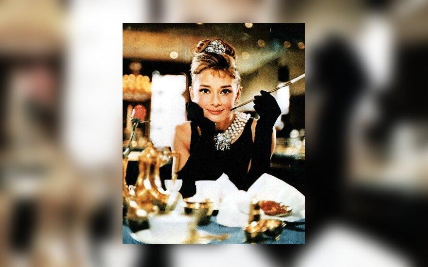 Продана коллекция платьев Одри Хепберн