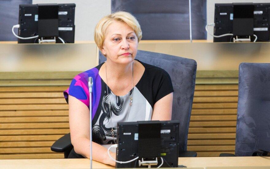 Министр финансов Литвы ахнула, увидев цену пластилина