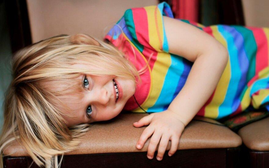 Сейм Литвы решил: ребенка в возрасте до 6 лет нельзя оставлять одного