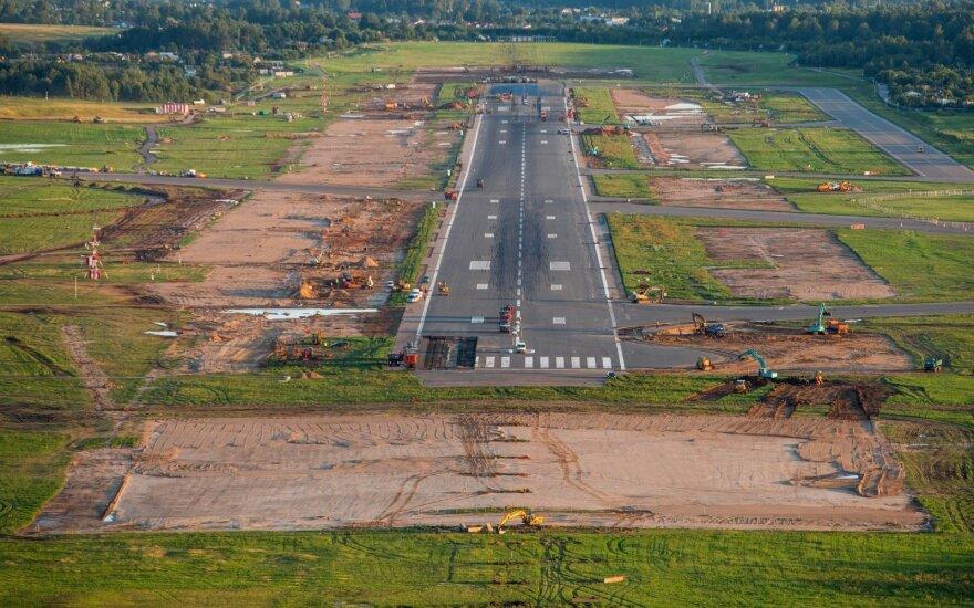 Из-за грозы отложили испытания ВПП в Вильнюсском аэропорту