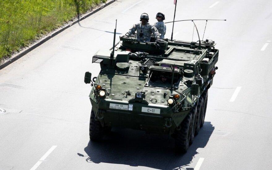 В Гайжюнай прибывает тяжелая военная техника США