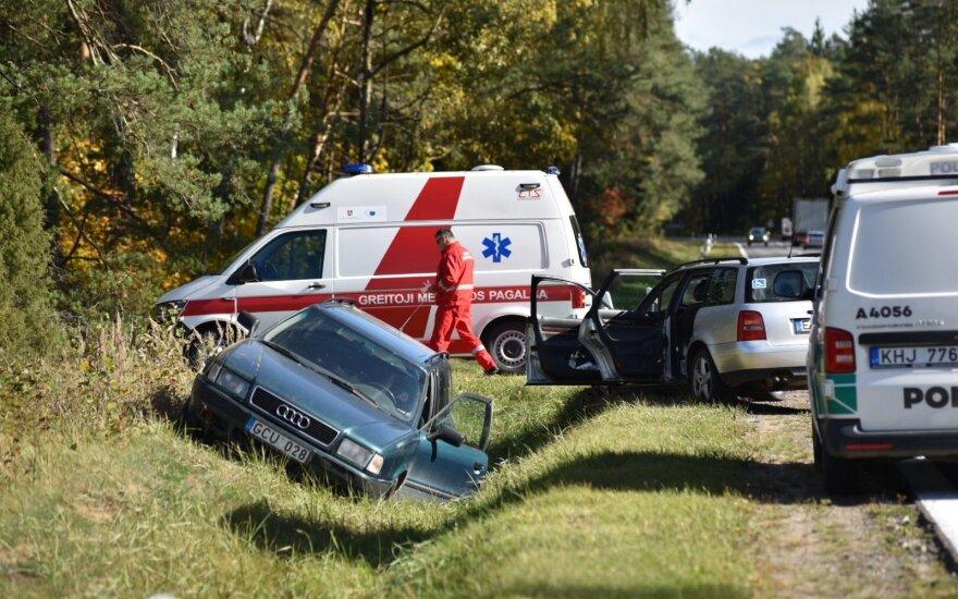 В Варенском районе столкнулись два автомобиля Audi: пострадал водитель