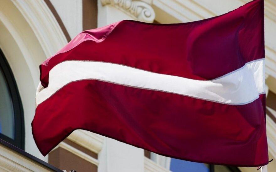 Латвия решила не отзывать посла из России
