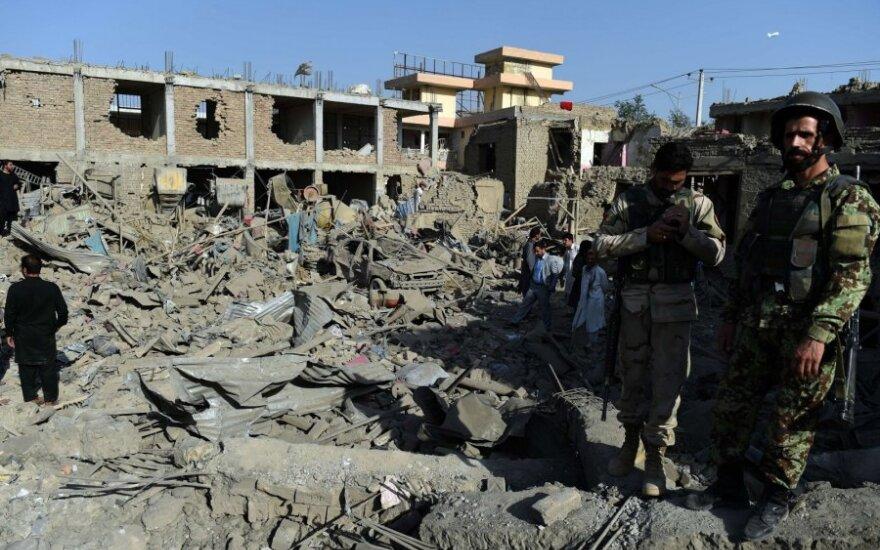 При взрыве в Афганистане погибли более 10 человек