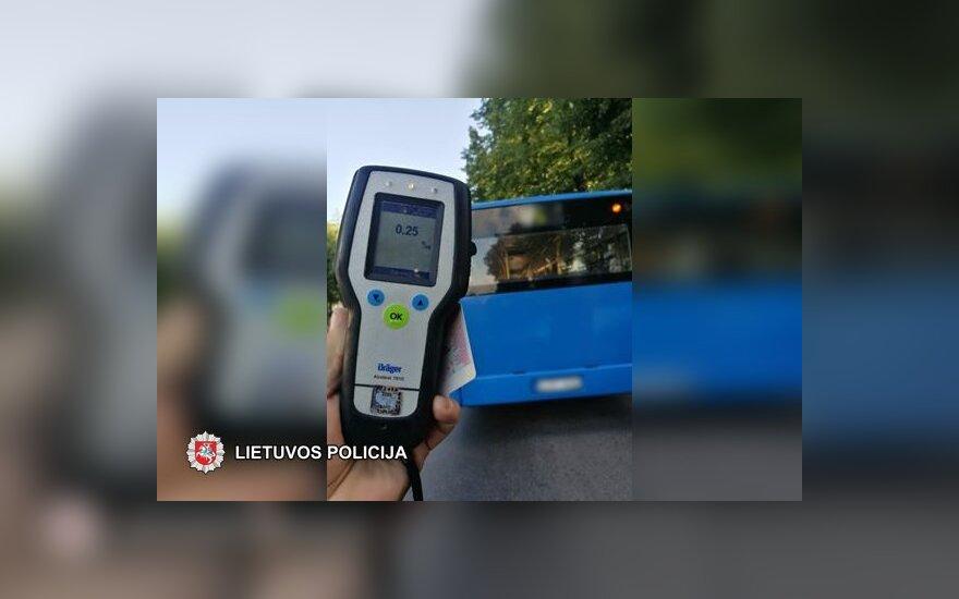Полиция в Клайпеде остановила пьяного водителя автобуса