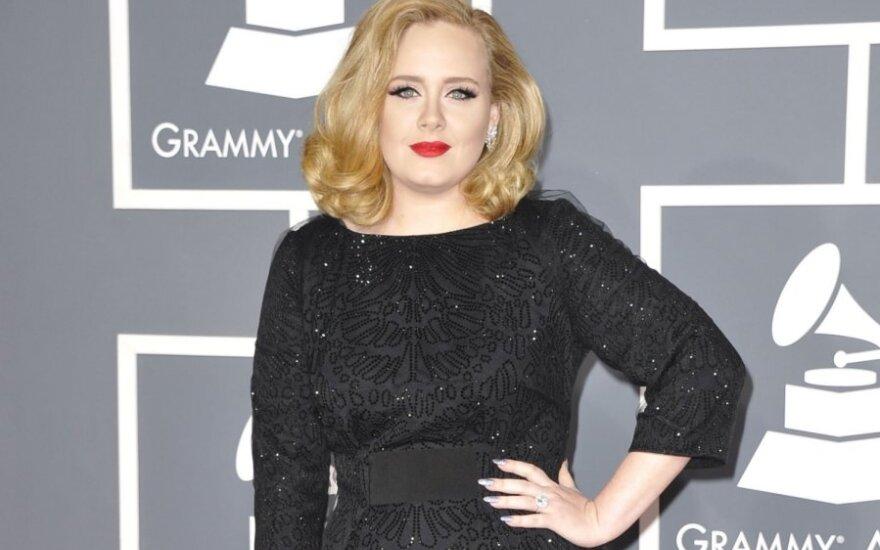 """Adele śpiewa """"Skyfall"""" dla Bonda"""
