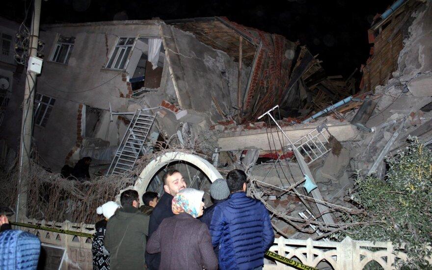 Turkiją supurtė žemės drebėjimas