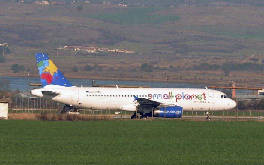 Small Planet Airlines lėktuvas