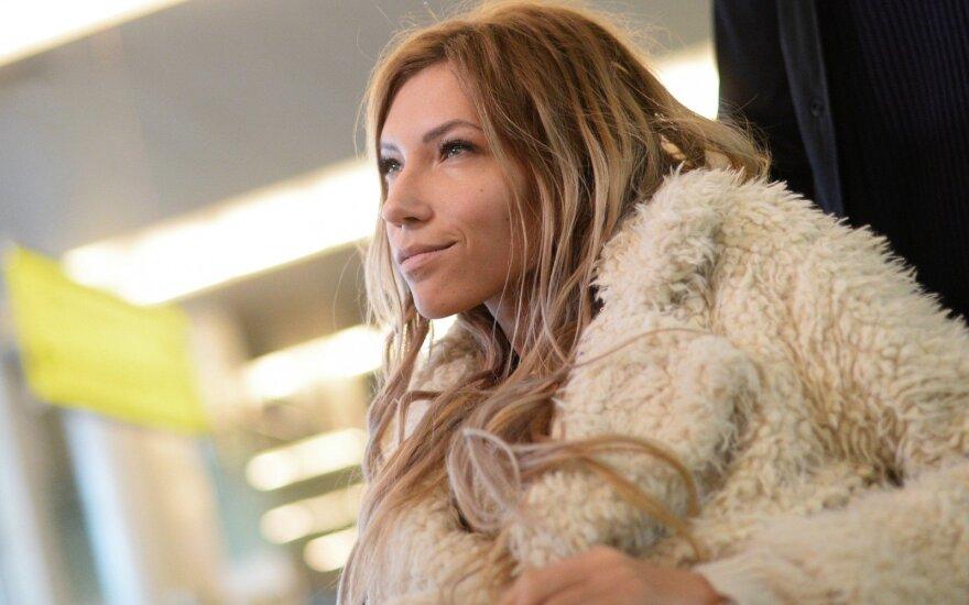 Самойлова объяснила заявление об эмиграции из России