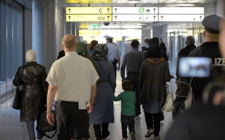 В Германию прибыла первая группа беженцев в рамках договора с Турцией