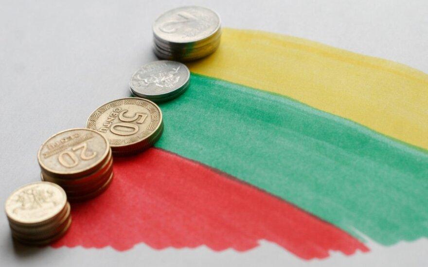 Экономист: прежде всего надо перестать тратить деньги