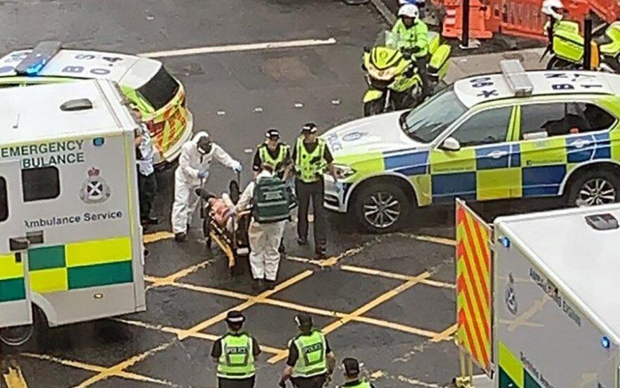 Glasge teroristinis išpuolis, skelbiama apie kelis subadytus žmones